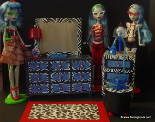 Monster High Ghoulia DIY Furniture