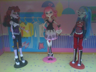 Monster High Dolls Operetta, C.A. Cupid, & Ghoulia